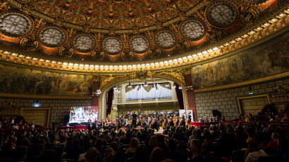 Yifan Sun a demonstrat că estecel mai bun tânăr dirijor din lume în cadrulConcertului de Gală Jeunesses Musicalesde la Ateneul Român