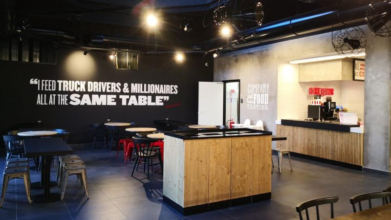 Grupul Sphera își consolidează poziția pe piața externă și anunță deschiderea celui de-al doilea restaurant KFC din Genova, Italia
