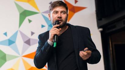 """[Jurnalist.md] Ștefan Grigoriță, Europa Liberă și #diez: Am fost amendat din cauza că unui PR-ist nu i-a plăcut cuvântul """"idiot"""""""