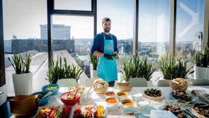 [De la prietenie la business] Vlad Croitoru și Tudor Gall - fast food sănătos în combinații neconvenționale cu sosuri speciale