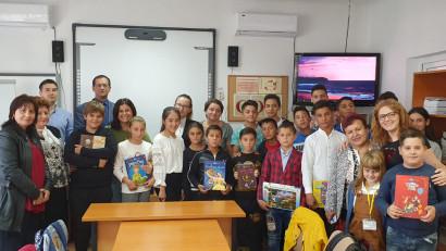 Bibliotecă donată pentru 1600 de copii din Slobozia Bradului