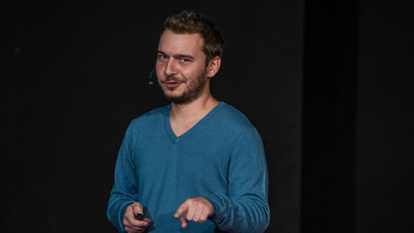 Cosmin Pojoranu, despre observatorii la vot: Atât tineri pensionari, cât și tineri studenți. Oameni care nu se mulțumesc cu privitul alegerilor la televizor
