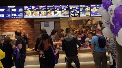 Taco Bell deschide al 8-lea restaurant, la doi ani de la lansarea pe piața din România