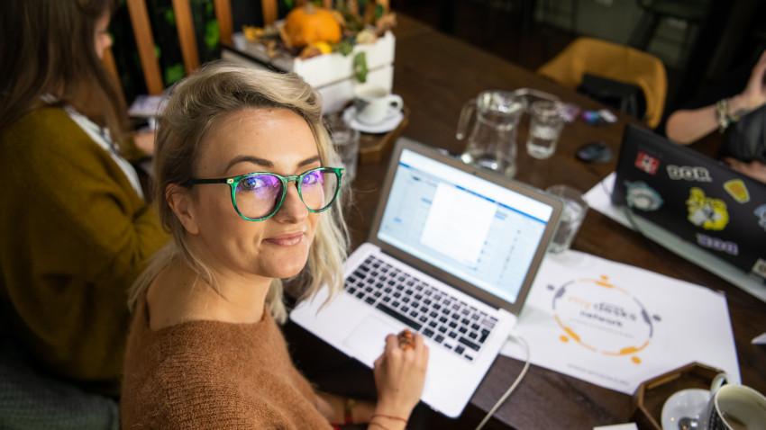 """[Viața după agenție] Iunieta Sandu: Am învățat să nu spun """"Da"""" tuturor proiectelor, indiferent de fee-urile mari promise"""