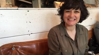[REC și la podcast] Mara Mărăcinescu (Americanii): Încerc să găsesc răspunsuri în podcasturile la care lucrez. Mă mână o grămadă de curiozități