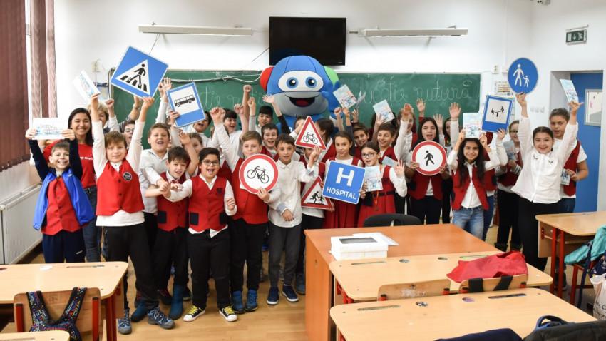 Mercedes-Benz România, în parteneriat cu Organizația Salvați Copiii, organizează cea de-a noua ediție a programului de educație rutieră MobileKids