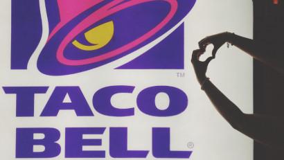 Experiența Taco Bell ajunge acum și în Brașov, iar fanii sunt așteptați să deguste produse de inspirație mexicană