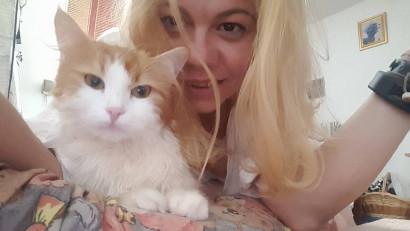 [Petfluencer de România] Maxine Jazz și Peștera Pisicii de la Gara de Nord