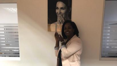 [Business de expat] Sara Adumitroaie, londoneza care face românii să zâmbească mai mult