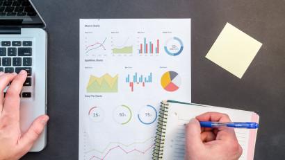 Beneficiile externalizării fluxurilor operaţionale către parteneri de business