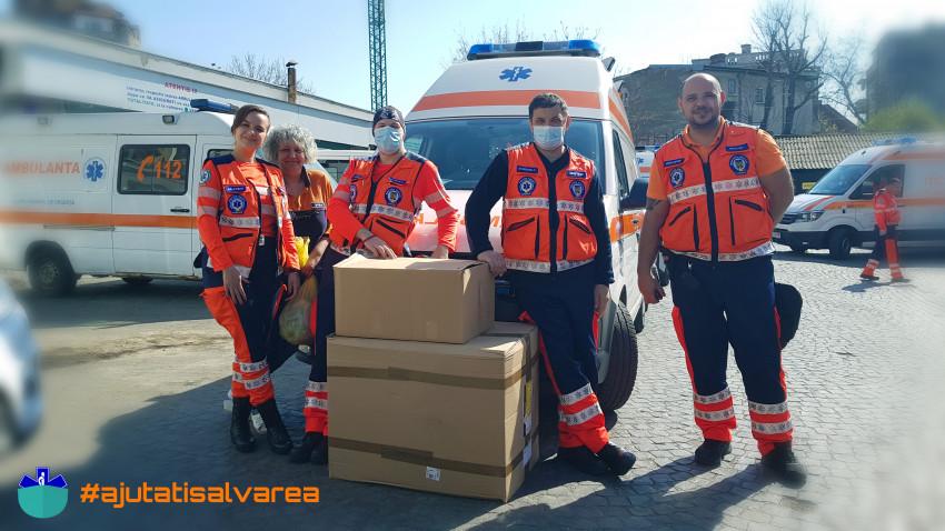 Proiectul Ajutați Salvarea donează echipamente de protecțiepentru ambulanțele din București