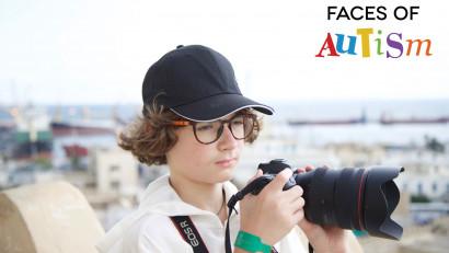 David Stescu, un fotograf de 14 ani fotografiază copii, tineri și adulți cu tulburări din spectrul autist
