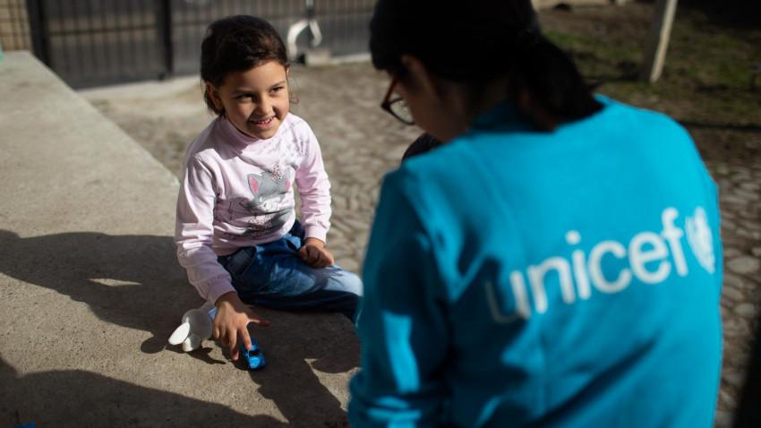"""UNICEF lansează campaniade strângere de fonduri""""Salveazăvieți însiguranță"""""""