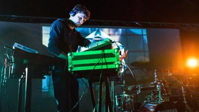 [Mix & play] Victor Mihailescu:Oamenii trebuie trasi de maneca, ajutati sa inteleaga ce valoare poate aduce muzica produsului lor