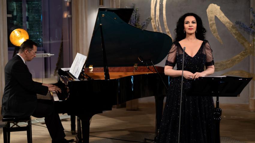 Peste două mii cinci sute de români au urmărit online recitalul susţinut de Angela Gheorghiu, reprezentația finală a serieiQreator – Home Together Edition