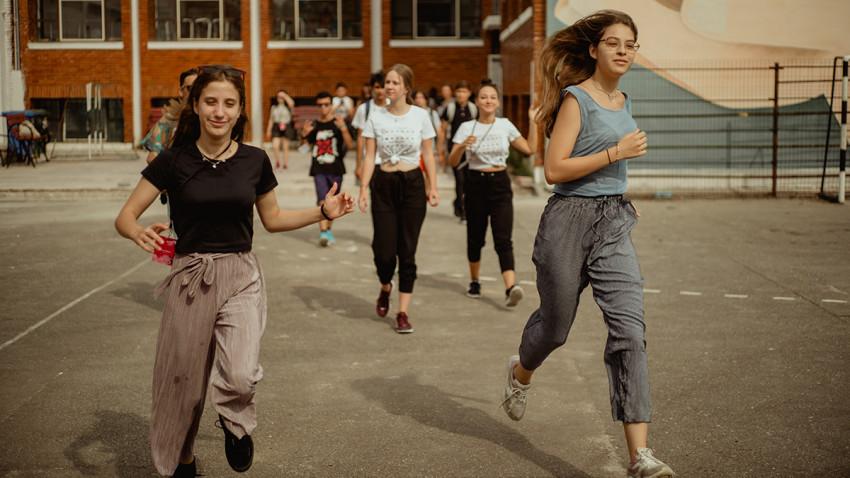 IDEO IDEIS #15 ajunge în 9 orașe.Trupele de teatru tânăr aduc festivalul în Alexandria, București, Botoșani, Baia Mare, Buzău, Timișoara, Câmpina, Roman și Sibiu