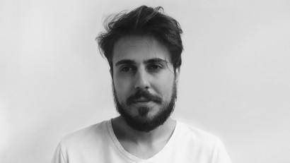 [Gif Art] Mihai Gitu: Oamenii sunt prea ocupați să scrolleze și nu mai au răbdare pentru tranziții complexe. Așa că e suficient să faci un gif