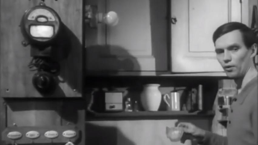 Secunde de film vechi, cu subtitrări de publicitate nouă