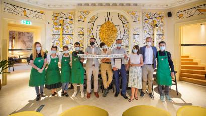 Piața Romană devine destinația pasionaților de cafea. Starbucks a deschis o nouă cafenea