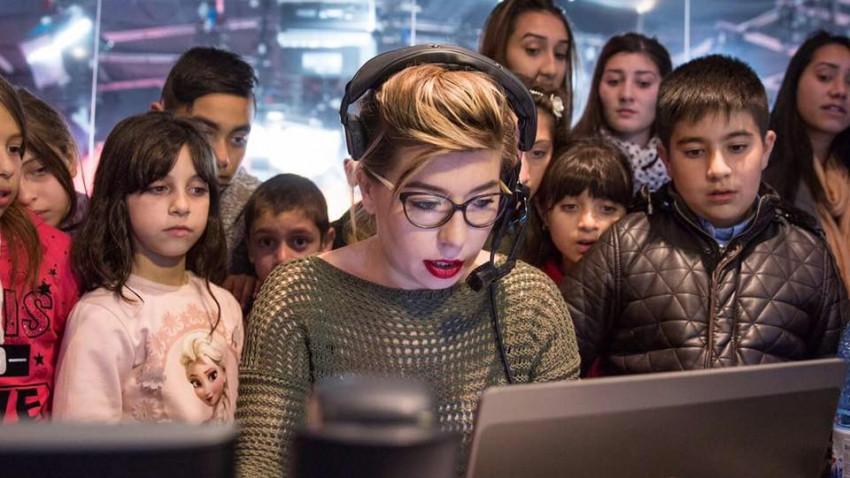 [Voci online] Bianca Oanea: Online-ul meu e legat de oameni. Sunt vreo 10 milioane de conturi de Facebook în România, suntem toți aici