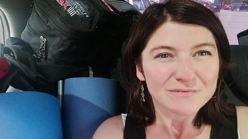 [Voci online] Codruța Simina: Ne ia valul mult mai ușor. Suntem mai vulnerabili la orice emoție cât de cât puternică, mai ales dacă vine de pe Facebook