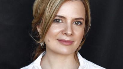 """[În teorie] Irina Caliman: O profesie, mai ales în domeniul comunicării, se învață """"pe teren"""", în agenție"""