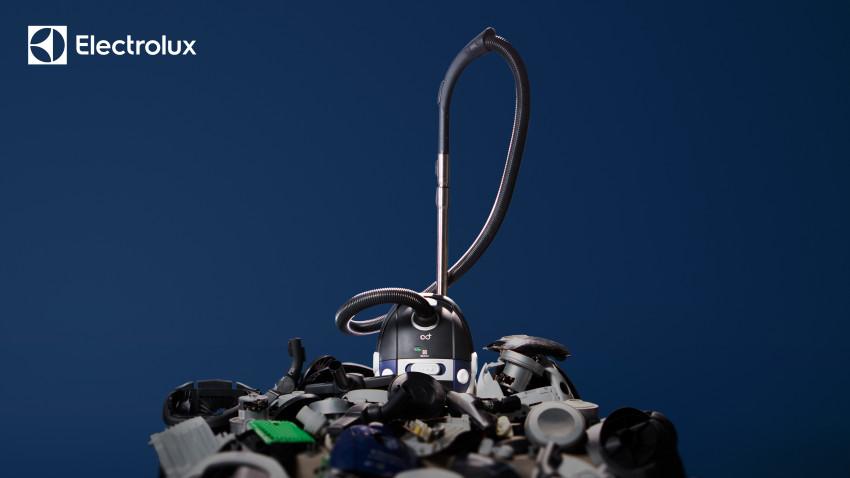 Electrolux lansează primul său aspirator sustenabil, realizat din materiale 100% reciclabile și reciclate