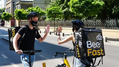 Afaceri de 250.000 de euro pe fondul contextului pandemic pentru BeeFast, serviciu de curierat super rapid și mobilitate pentru magazine online