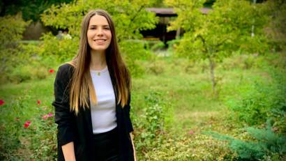 """[Start in PR] Cristiana Sabrina Aldea: Mi-a luat ceva să înțeleg ce este de fapt PR-ul și, mai ales, să răspund la veșnica întrebare """"și tu cu ce te ocupi?!"""""""