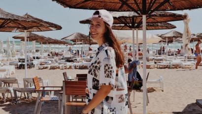 [Cu totii pe Tik Tok] Ines Stana: Foarte rar iau un trend de undeva și îl refac în stilul meu. Prefer să fac ce nu face toată lumea