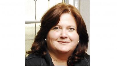 """[Voci online] Ioana Avădani: Era la începutul anilor '90, în redacția Mediafax, când am dat ochii cu """"onlineul"""". Aveam un singur calculator în secție și făceam cu schimbul"""