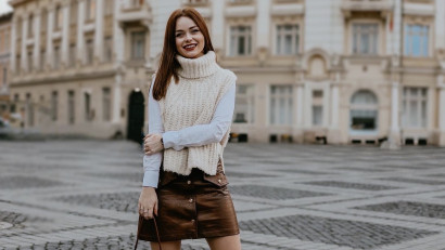 [Cu toţii pe Tik Tok] Lorena Serban: Followerii au început sa vina cand am facut clipuri de cosplay, in care le-am jucat pe Bambi, Belle, Rapunzel