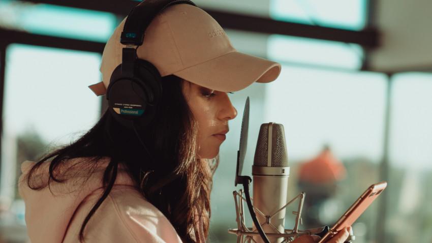 """INNA compune muzică în """"Dance Queen's House"""" 3 săptămâni, iar fanii vor putea urmări pe YouTube experiența"""