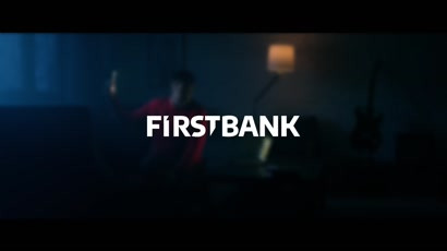 First Bank - De Halloween, sperie-ti banca! (video)