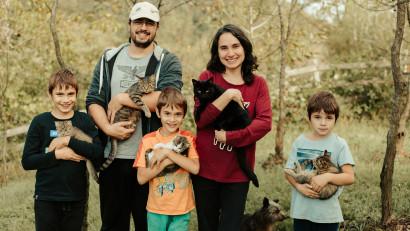 [Viața la țară] Alina Ciobanu: Pot să spun că mi-a luat minim doi ani să mă obișnuiesc cu treburile unei case la țară