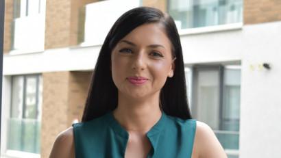 [Start in PR] Alexandra Ivan: Generația mea crede în puterea dialogului. Atunci când ești junior, mai și visezi cu ochii deschiși și propui tot felul de idei