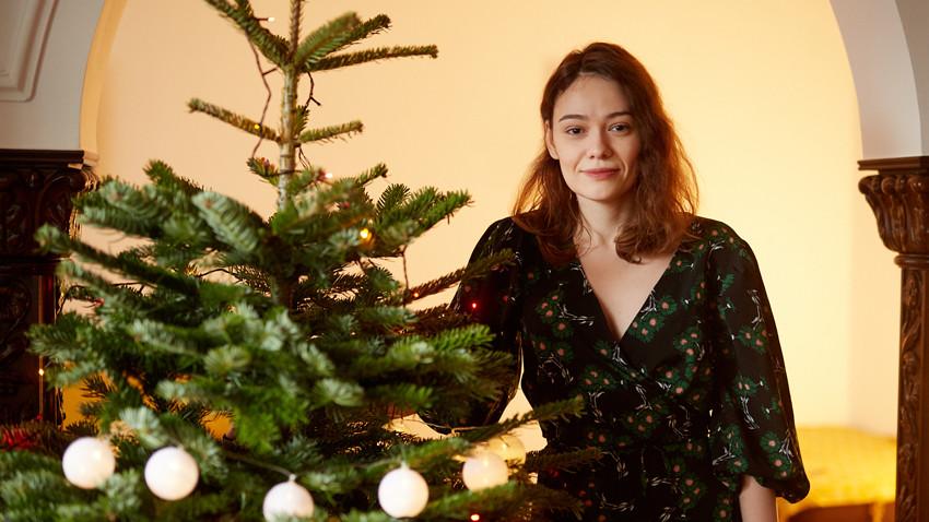 [Cine a furat Craciunul] Roxana Niță: Mă amuză aceste serii de imagini idealizate, că sărbătorile scot ce e mai bun din oameni, că dintr-o dată toți devenim mai altruiști