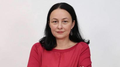 [Voci online] Sidonia Bogdan: Mă situez, mai degrabă, la granița mai multor tipuri de bule. Toate aceste bule mă acceptă, dar mă și contestă uneori
