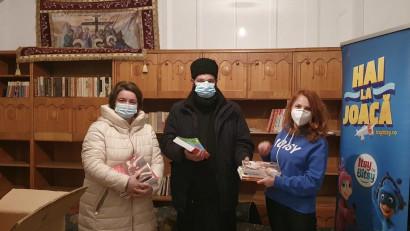 Sute de cărți donate pentruCentrul Educațional de laMănăstirea Vălenii de Munte