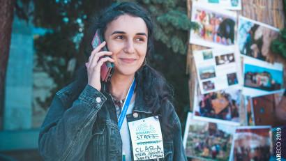 """[Povești de bine] Clara Abdullah: Încercăm să nu folosim excesiv discursuri clasice despre mai mult verde și reciclare, care aduc cu sine eticheta de """"hippie ecologiști"""""""
