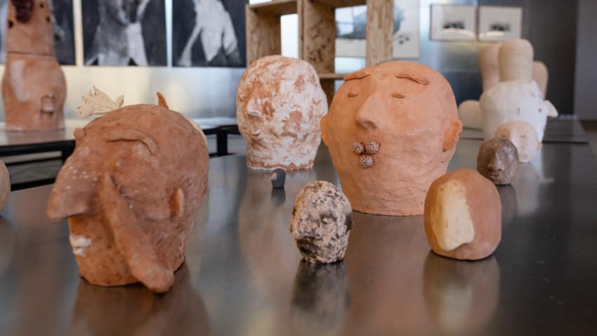 Peste 20 de artiști și arhitecți din noua generațieîn galeria online 5 PENTRU ARTE