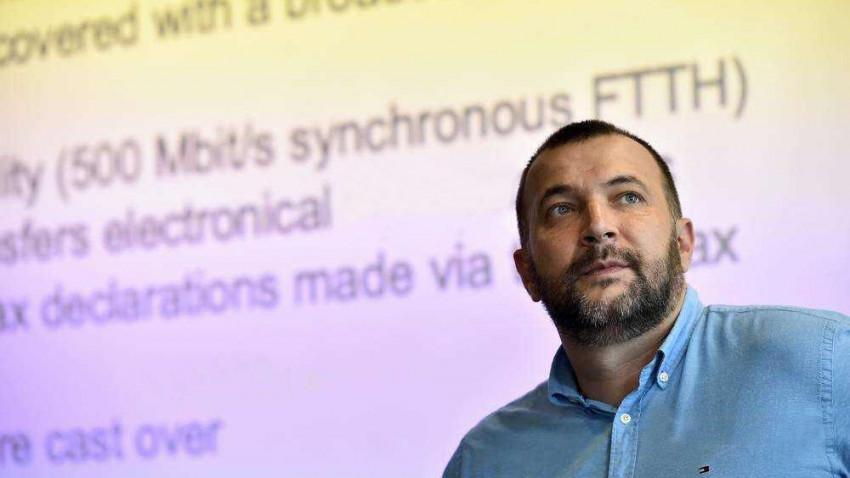 """[2020. Ghid de supravietuire] Adrian Alexandrescu: Am muncit mai mult decat de obicei si am investit restul timpului in activitati """"safe"""" in natura"""