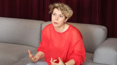[Media 2021] Claudia Chirilescu: Crizele si frica duc la scadere economica si implicit la scaderea investitiilor din publicitate, deci acest echilibru este foarte delicat