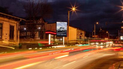 WINK introduce primul billboard digital în format vertical din Iași