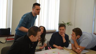 Cursuri Creative lansează primul curs de Project management în marketing și sales