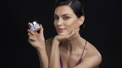 Farmec lansează vârful inovației sale pe segmentul antirid șio anunță ambasador pe Catrinel Menghia