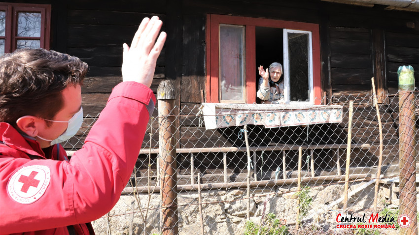 220,000 de români au beneficiat de informații și sprijin din partea Crucii Roșii Române în lupta cu Covid-19 printr-o campanie națională de informare și de conștientizare