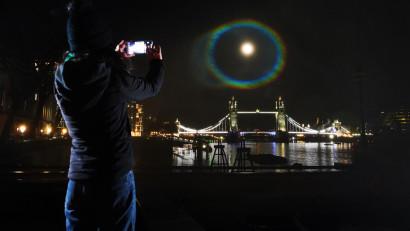 Campania curcubeului nocturn plasează OnePlus în atenția publicului larg