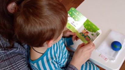 """17.000 de copii vulnerabili vor primi """"Punguța cu două cărți"""" din partea Asociației OvidiuRo, cu sprijinul Kaufland România"""