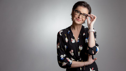 [Profesori altfel] Claudia Chiru: Super-puterea mea este sinceritatea. In fata elevilor ma arat intotdeauna ca un om cu emotii, sentimente, obiective si nevoi